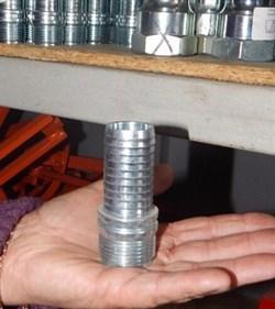 Соединение с резьбой для 25 мм, литое мама - фото 5908